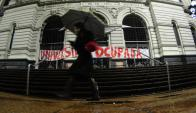 Estudiantes tomaron en la tarde de ayer la Universidad de la República. Foto: F. Ponzetto