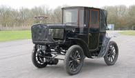 Vigente. Los autos eléctricos parecían ser un recuerdo del 1900, pero la tecnología en el sector automotor y la revalorización de la eficiencia energética los transformaron en un símbolo actual. (Foto: Google Images)