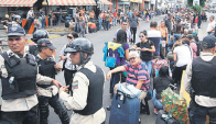 Cientos de colombianos forzados a dejar el país.