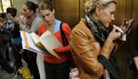 Buscando empleo. Foto: AFP