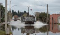Efectivos del Ejército salieron ayer a colaborar con los inundados. Foto: Ejército.