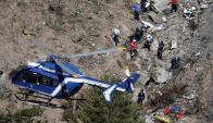Continúan los trabajos en la zona donde cayó el avión. Foto: Reuters