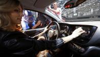 El olor es una de las primeras cosas que se perciben al entrar al coche. Foto: AFP.