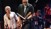 Al frente de los Who, junto a Roger Daltrey, en un concierto de 2005.