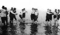 """""""El intercambio de roles"""" existe desde el siglo pasado en el tango y otros bailes."""