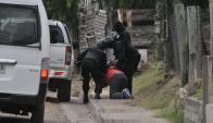 Efectivos sanduceros reducen al principal narco de Artigas, Salto y Paysandú. Foto: El Telégrafo.