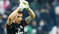 Buffon agradece el apoyo de los hinchas de Juventus. Foto: AFP.