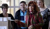 Cristina Fernández votando en el balotaje. Foto: Reuters
