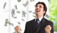 Efecto adverso. Saber que otra persona gana más dinero que uno es una fuente muy potente de felicidad. (Foto: Google Images)