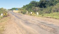 La ruta 30, principal comunicación de Artigas con la ruta 5, en estado desastroso.
