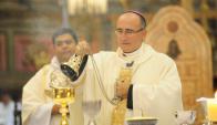 Arzobispo Sturla estará presente mañana en la rambla. Foto: Marcelo Bonjour.