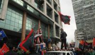 Se movilizaron por el Centro los sindicatos de UTE, Ancap, Aebu y la enseñanza pública. Foto: F.Flores.