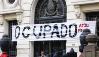 Judiciales ocupan la SCJ. Foto: Marcelo Bonjour