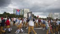 Jóvenes participaron de una marcha y un acto de homenaje a Martí. Foto:  Reuters