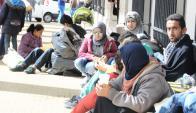 Los refugiados sirios pasaron la noche en el Centro Islámico.