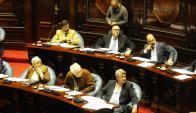 Senadores del FA debatieron la situación de Ancap antes del pedido. Foto: M. Bonjour