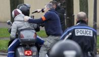 """""""Hay que remontarse 50 años para ver en Francia una situación como la de hoy"""". Foto: Reuters."""