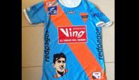 La camiseta que IASA utilizará ante Peñarol, en homenaje a Alcides Ghiggia. Foto: @IASA1914