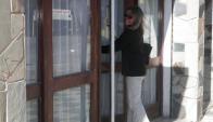 La jueza María Noel Tonarelli entrando al Juzgado de Chuy por el caso del crimen de Koni Silva, en Punta del Diablo, junio de 2015. Foto: Eduardo González