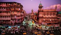 En Mumbai, meca financiera de la India, cada año aumentan las fuentes de empleo. Foto: Google Images.