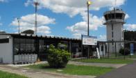 La pista del aeropuerto de Salto la usan aviones fumigadores que bajan a reposar. Foto: L.Pérez.