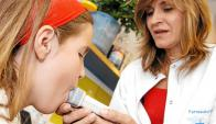 Niña con asma