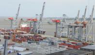 El año pasado el movimiento en el puerto cayó 5,4% en relación al 2013. Foto: A.Colmegna.
