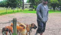 En Parque Batlle hay un espacio para los perros. Foto: Ariel Colmegna