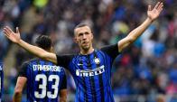 Ivan Perisic celebra la segunda conquista de Inter, la que aseguró el triunfo. Foto: AFP