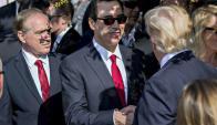 Donald Trump junto a Steven Mnuchin. Foto: EFE