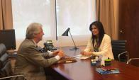 Tabaré Vázquez y Verónica Alonso se reunieron en Suárez y Reyes. Foto: Prensa Verónica Alonso.