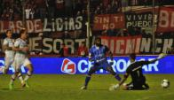 """El """"Morro"""" define ante el arquero en el primer minuto del alargue y ganó Godoy Cruz. Foto: Los Andes.com"""