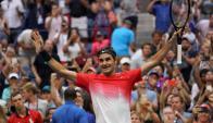 Roger Federer se vio obligado a dar el máximo para seguir en carrera. Foto: AFP