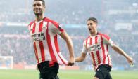 Gastón Pereiro celebrando su gol ante el Feyenoord