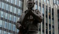 La estatua de Mijail Kalashnikov inaugurada en Moscú. Foto: Reuters.