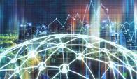 """Desentralizada. La información está repartida en """"nodos"""" en todo el mundo lo que ha hace inalterable."""