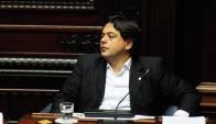 Adrián Peña en el Parlamento. Foto: Marcelo Bonjour
