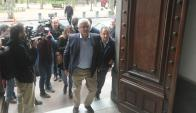 Bascou: el intendente llegó a la casona de los blancos en Ciudad Vieja donde estuvo dos horas. Foto: F. Flores