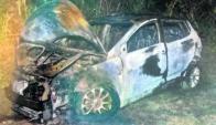 El Hyundai de color gris, utilizado en el rescate del preso fue incendiado. Foto: El País