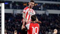 El festejo de Gastón Pereiro tras el gol del PSV. Foto: psv.nl