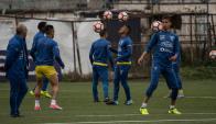 La selección ecuatoriana entrena para el duelo ante Chile. Foto: AFP