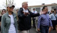 Trump ayer durante su visita a la isla para evaluar los daños del huracán. Foto: Reuters