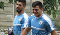 Luis Suárez y Maxi Gómez en el entrenamiento de la Celeste