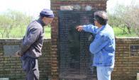 Memorial que recuerda a las 74 víctimas fatales del accidente del avión de Austral. Foto: ASDFAS