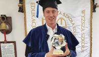 Robert Lewandowski se recibió con las notas máximas