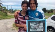 Luis Correa junto a Edinson Cavani.