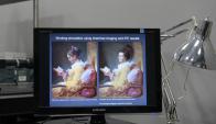El estudio reveló otro rostro de la mujer mirando en dirección del espectador. Foto: AFP