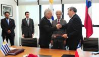 El canciller de Chile Heraldo Muñoz reunido en Torre Ejecutiva con Vázquez y Nin. Foto: Presidencia