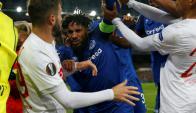 Pelea entre jugadores del Everton y el Lyon