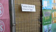 Solidaridad: los vecinos y clientes respaldaron al comerciante baleado. Foto: R. Figeuredo